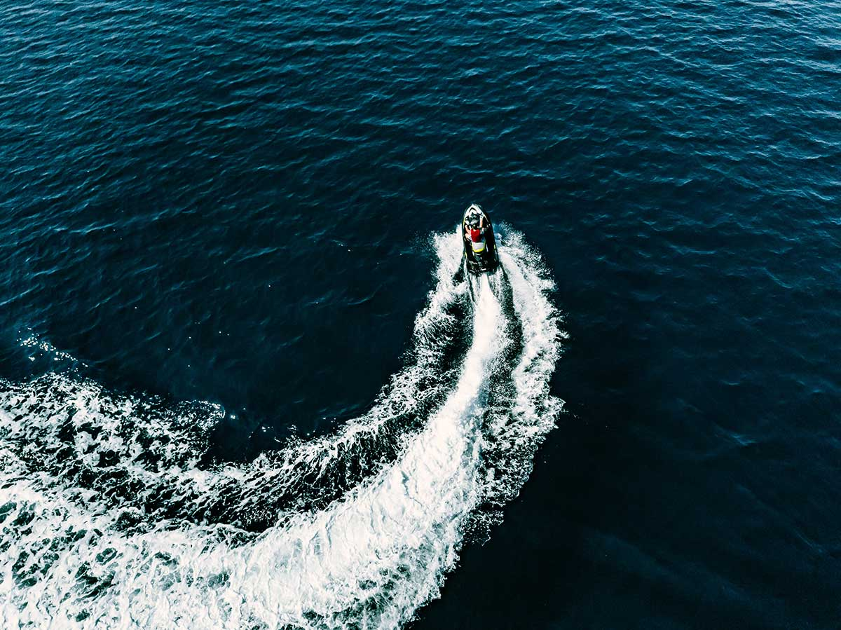Como conducir moto de agua